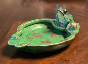 Weller Coppertone ashtray pond with lily pad and frog