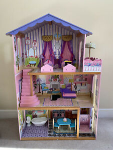 Kidkraft Wooden dolls house with furniture And Lift