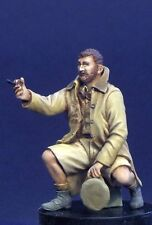 Resicast 1/35 British (BEF) Officer Seated (LRDG Figure No.3) 355645