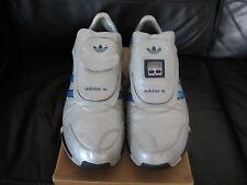 Adidas D.S edizione limitata per il Millenium 2000 dimensioni del Regno Unito Year 8/U.S.A taglia 9