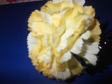 LARGE HAIR CLAW WITH DOUBLE YELLOW FLOWERS