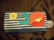 NWT RELIC BY FOSSIL FLORAL BLUE WHITE STRIPES CELL PHONE WALLET