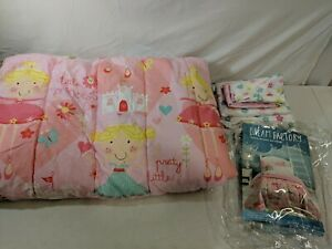 Preowned Dream Factory Pretty Pink Princess 5 Piece Bed Set with Comforter Twin