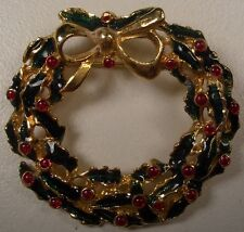 Christmas Wreath Brooch/Pin In Gold/Green Tone w Bow & Holly Berries New