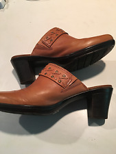Clarks Clogs 8.5m tan with decorative buckle and studs- VGUC