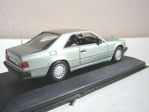 Mercedes 300 CE -24 coupé vert métallisé , Minichamps 1/43
