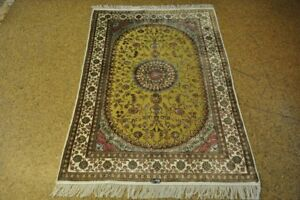 Sophisticated Green Hand-Knotted 4' x 6' Silk Rug