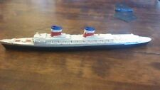 "M704 TRIANG MINIC 1:1200 MADE IN ENGLAND 1960S SHIP ""SS UNITED STATES"""