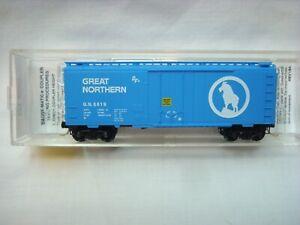 Micro Trains 40' Standard GN Sky Blue Plug Door Boxcar
