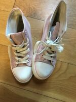 Girls Pink Sparkles Yd Pumps. Size 4
