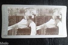 STA660 Scene de genre femme allongée Sofa STEREO albumen Photography Stereoview