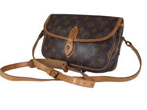 LOUIS VUITTON Gibeciere PM Monogram Canvas Leather Crossbody Shoulder Bag LS3362