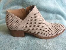 Lucky Brand Womens LK-Breeza- 7.5M- Perforated Suede Summer Suede