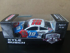 Kyle Busch 2016 M&M's Red White & Blue 1/64 NASCAR SPRINT CUP