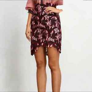 ELLIATT Shakespeare Asymmetrical Hem Mini Skirt NEW Size Medium Pink & Burgundy
