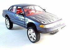 FORD CROWN VICTORIA HIGH RIDER , MOTORMAX 1/24 DIECAST CAR COLLECTOR'S MODEL,NEW