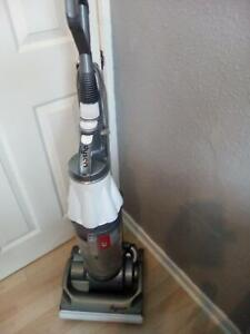 DYSON DC07 HEPA FILTER  CYCLONIC VACUUM WHITE/SILVER [listing actual dyson]
