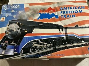 AMERICAN FREEDOM DIECAST ENGINE & TENDER,NEW IN BOX,NEVER RUN,K3601-4449,TMCC,RR