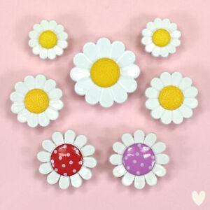 Trimits Buttons Daisies B6402-M04 - Embellishments Daisies Flower Dress It Up