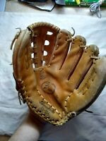 Vintage Goodwin Baseball Glove Right Hand Thrower 45-064 Deep Pocket