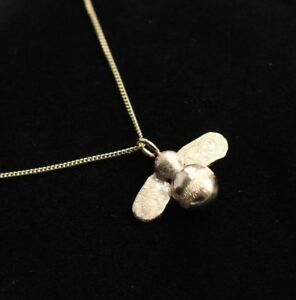 """SOLID 9K 3gm GOLD BEE PENDANT 18"""" BELCHER or CURB CHAIN 2g HAND MADE LONDON"""