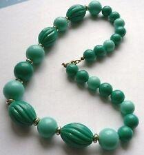 collier perles fantaisies bijou rétro vintage résine vert 2 tons frais lèger A17