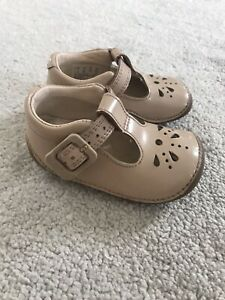 clarks baby girl shoes size 2F