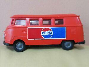 VINTAGE PEPSI HUNGARIAN FLIM LEMEZ SAMBA BUS VW LENDKEREKES PLASTIC FRICTION TOY