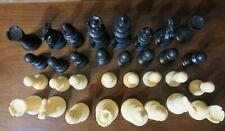 Staunton chess set: 32 plastic pieces black & white/ivory, vinyl board cloth bag