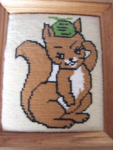 Gobbelin Bild im Holzrahmen Eichhörnchen Stickbild 20x24xc2 cm Kinderzimmer