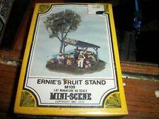 Woodland Scenics M109 ernie's fruit stand  , Mini Scene, HO Scale new sealed