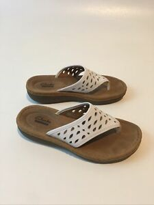 Clarks Collection Womens Size 7.5 White Thong Sandals