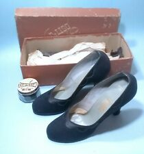 Vintage Early Fifties Velvet Navy Blue Pumps Size 6 1/2