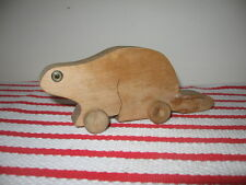 """Vintage  00004000 Handcrafted Scroll Cut Beaver Toy on Wooden Wheels Hard Maple Wood 7"""""""