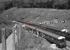 PHOTO  DMU TWO 2 X 3 CAR SUBURBAN SETS AS ABOVE W50847 PART OF CONSIST OF DOWN W