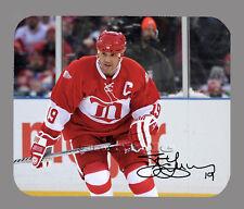 Item#3028 Steve Yzerman Detroit Red Wings Facsimile Autographed Mouse Pad