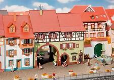 Faller H0 130499 Stadthaus Niederes Tor #NEU in OVP##