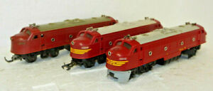 Triang OO Scale Triang Railways Double Ended Diesel & 2 Dummies