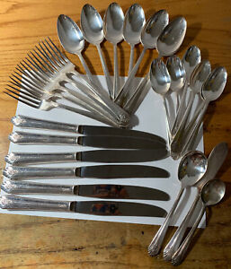 25 Pieces of WS Rogers Sectional Utensils Forks Spoons Knives MORE FL-29