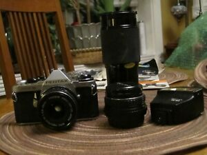 VINTAGE PENTAX ME SUPER 35mm CAMERA UNTESTED-2 LENSES & FLASH INCLUDED