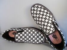 VANS Classic Slip-On Lazy Oaf Checkerboard/Eyes Shoes Men's Size 8.5 New In Box