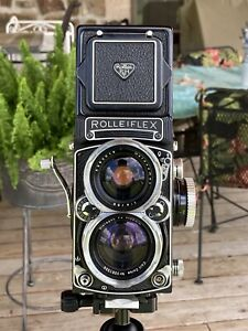 Rollei ROLLEIFLEX WIDE ANGLE TLR Camera + CARL ZEISS 55mm f/4 DISTAGON LENS