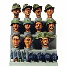 Model Victoria 1/35 Italian Heads Set WWII No.2 (11 heads) 4018