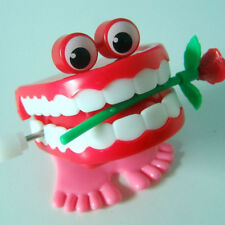 Christmas Walking Chattering Teeth Model Wind Up Toy Mini Funny Clockwork Toy