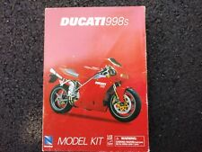 NEW RAY 1/12 SCALE DUCATI 9985 DIECAST MODEL KIT