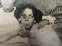 ANTIQUE AMERICAN BEAUTY CRAZY LADY FUNNY UNUSUAL ODDITY VICTORIAN TINTYPE PHOTO