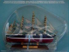 Maquette d'un voilier quatre-mâts barque LE PASSAT    Neuf sous blister