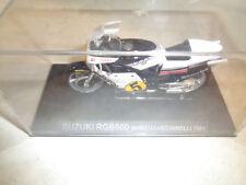 SUZUKI RGB500 MARCO LUCCHINELLI 1981 MODELLINO MOTO CON TECA-1/24-C12
