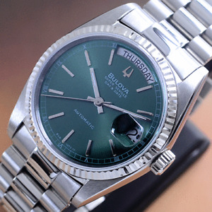 VINTAGE BULOVA SUPER SEVILLE AUTOMATIC EMERALD DIAL DAY&DATE DRESS MEN'S WATCH