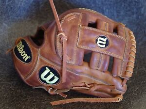 """Wilson A2000 G4 11.5"""" Saddle Baseball Glove Relace Recondition RHT A2000BBG4ST"""
